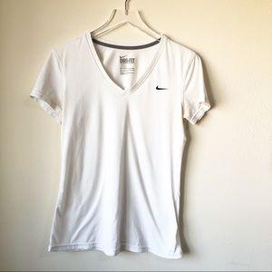 Nike | White short sleeve dri-fit tee shirt